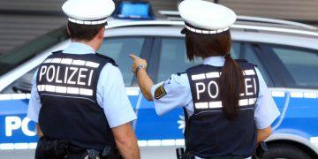 2449916_1_articledetail_Symbolfotos_Polizei_Blaulicht_Kriminalitaet_Gewalt_07